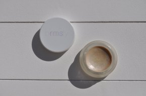 Review: RMS Beauty Living Luminizer Illuminator + Swatches!!